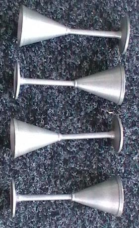 4 snapsglas i tenn R. Tennesmed