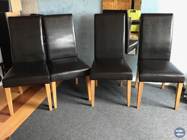 Skrivbord IKEA & fyra matstolar