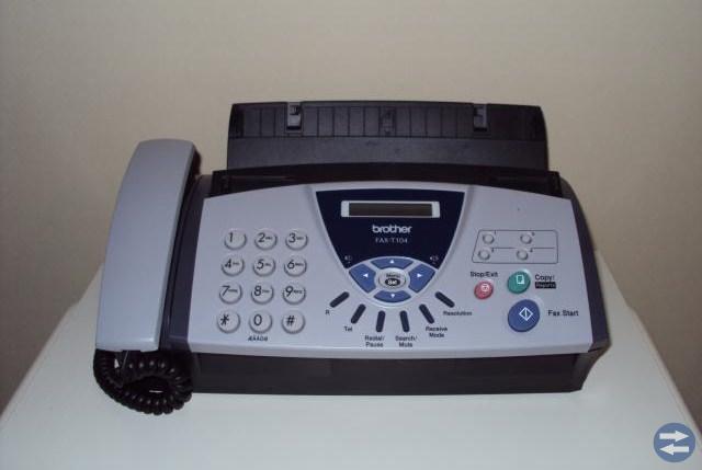 Telefon  och  fax  i  ett