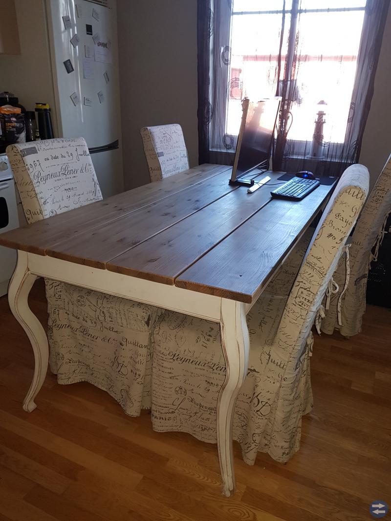 Matsalsbord+stolar+överdrag och tv-bänk