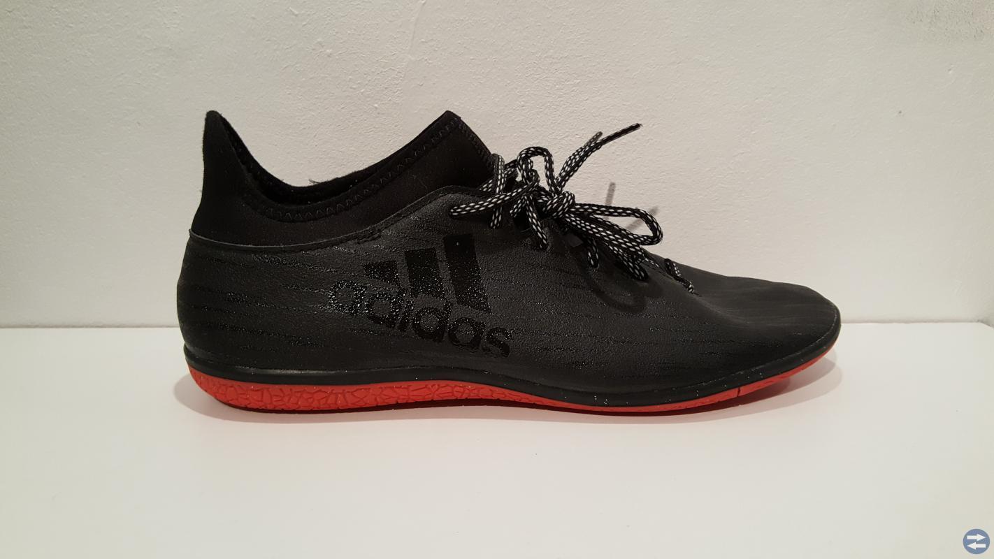 Adidas Inomhusskor, Strl 45,5