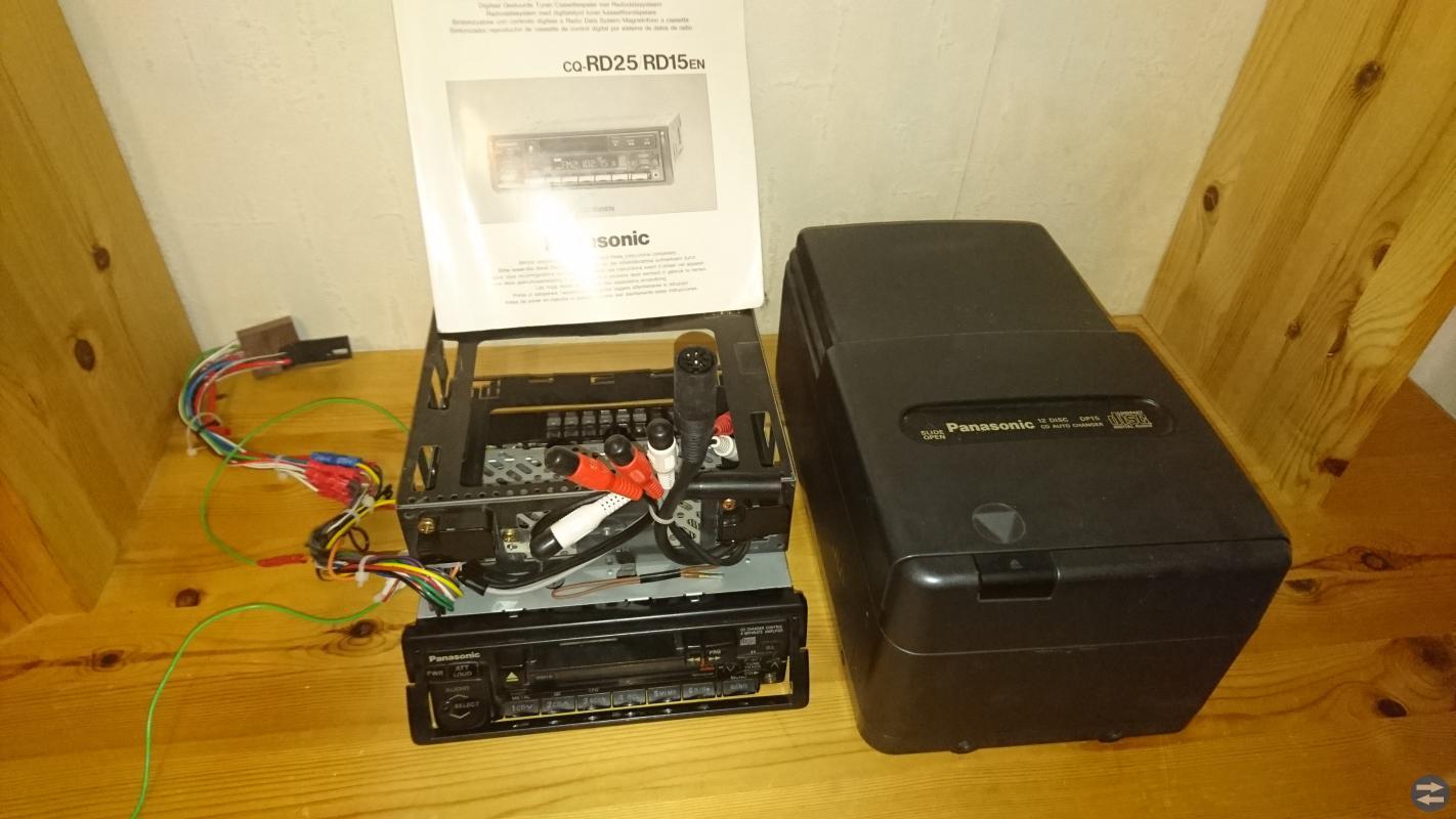 Panasonic RDS radio med CD spelare 12 skivor