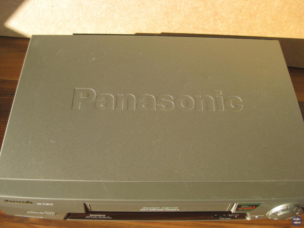 PANASONIC NV-FJ 610