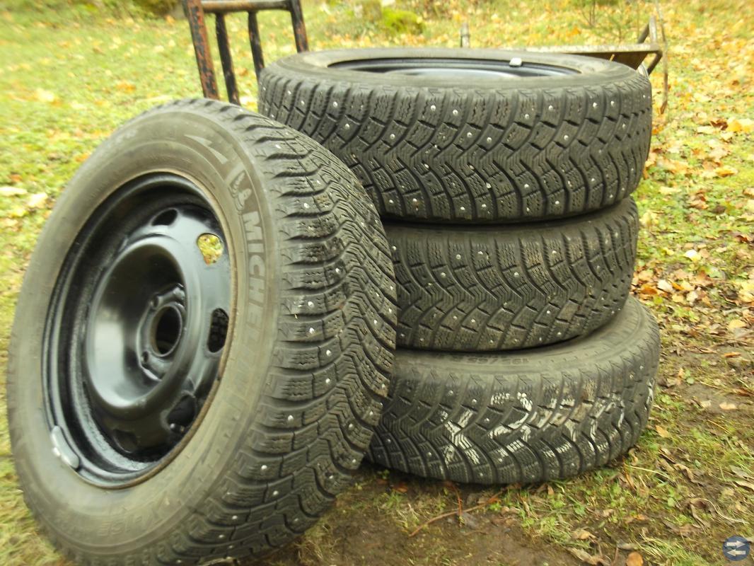 Michelin X-ice 195/65X15 Dubbade
