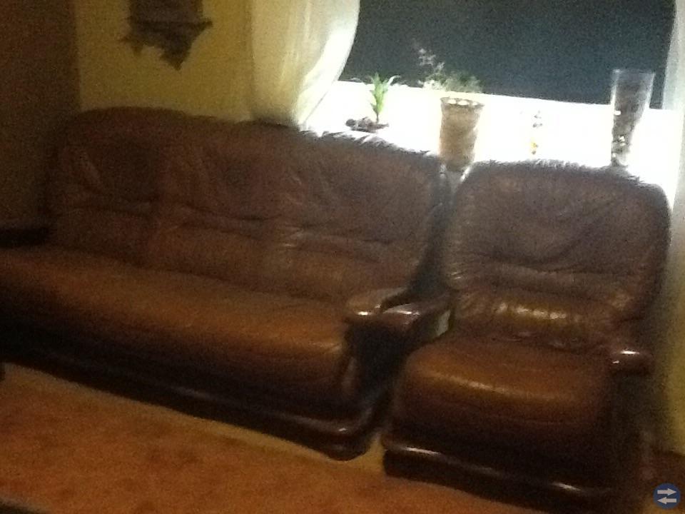 3 sits soffa med två föteljer