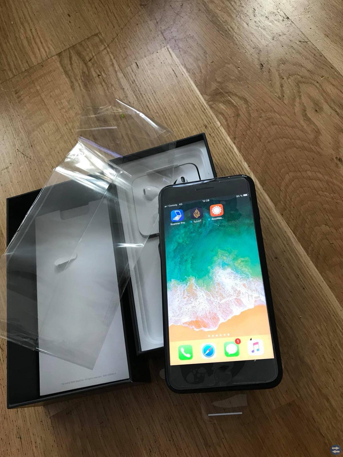 Iphone 7 plus 128 GB jet black nästan ny