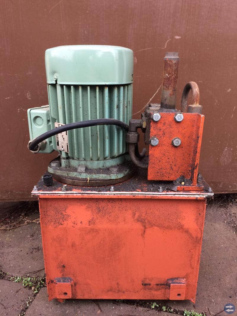 Hydraulaggregat 3-fas 380V 2hp, tank och el-ventil
