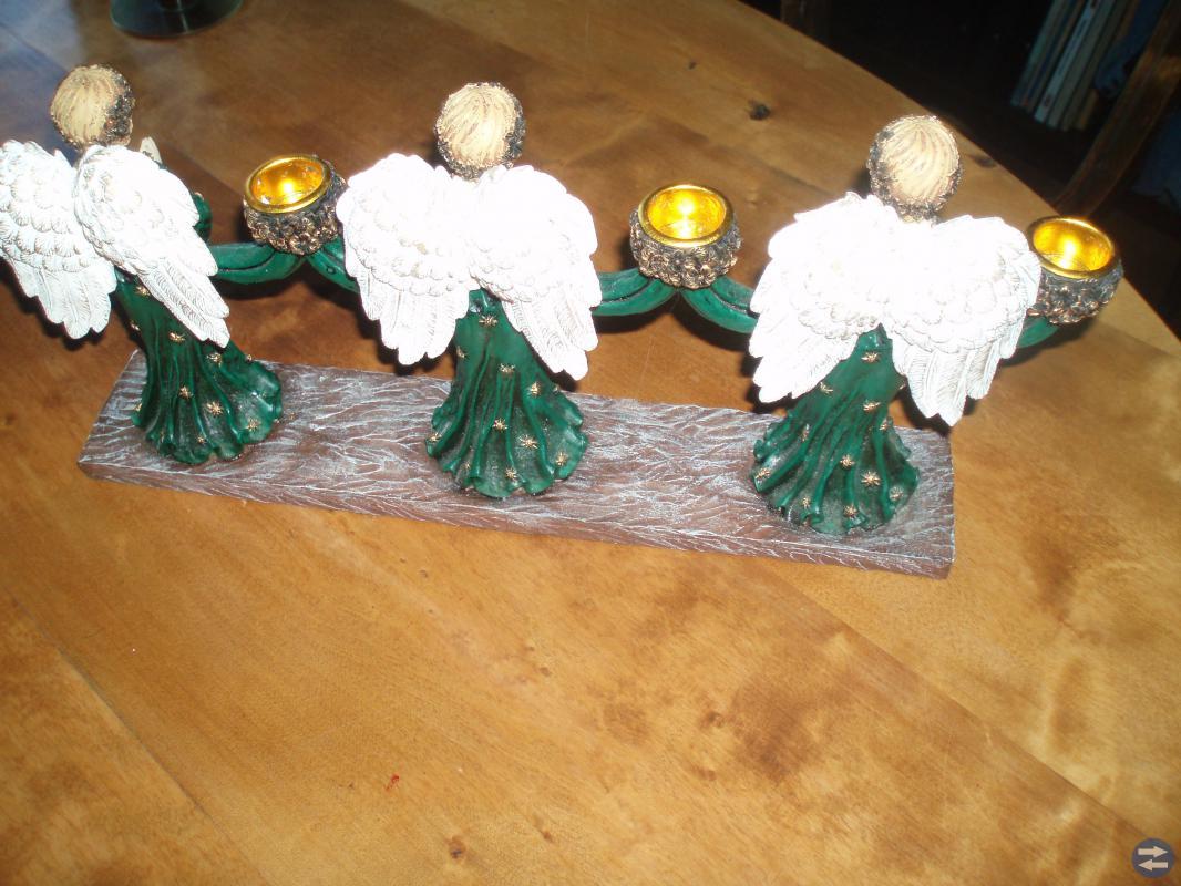 Julsaker, prydnader, ljusstakar, dekorationer mm m