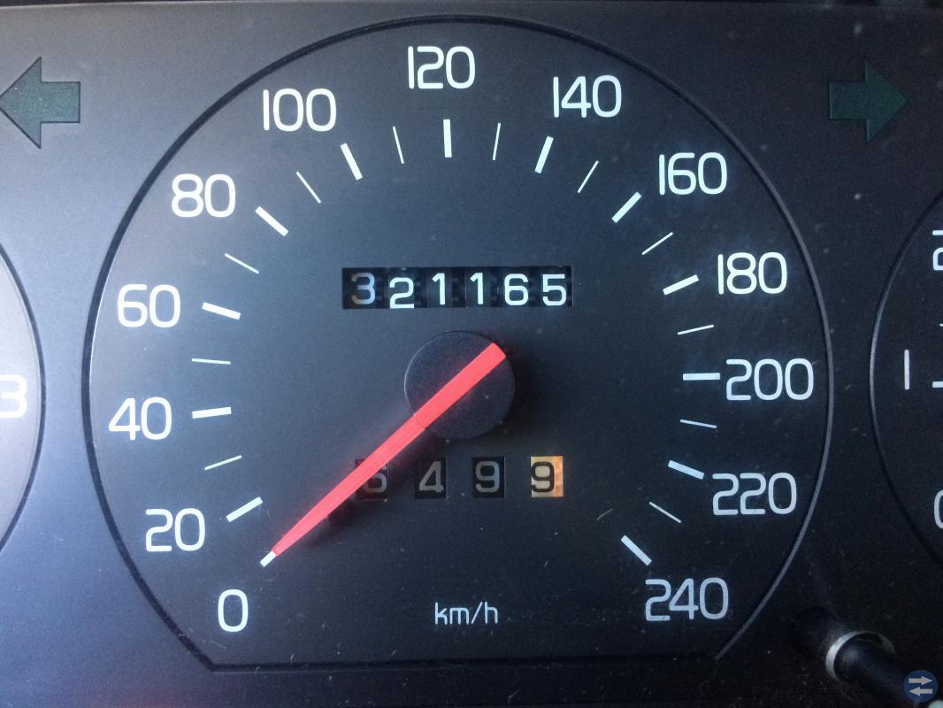 Volvo 945 SE 2,3 -95 säljes i delar