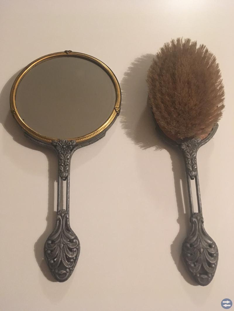 Spegel och borste Gammal(1930-40 tal??