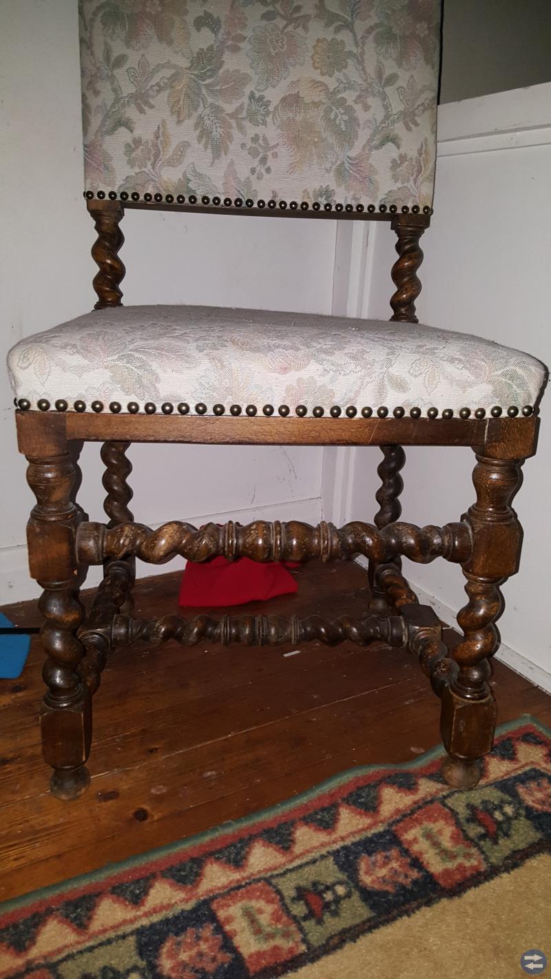 Äldre stolar i fin design