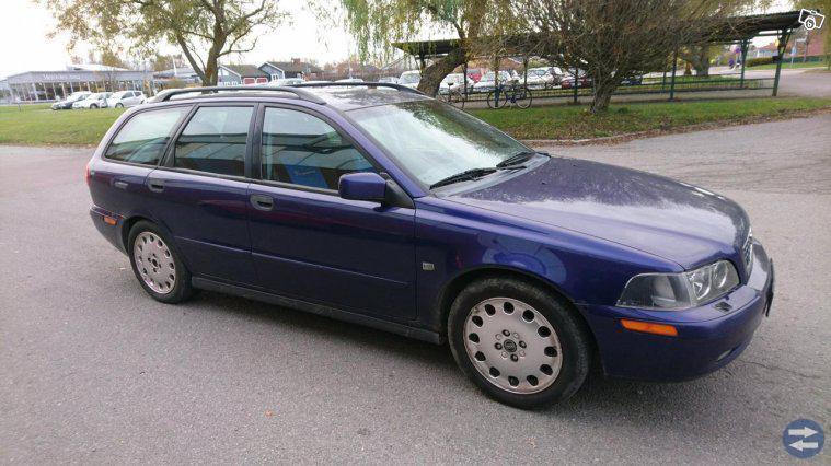 Volvo v40 -02