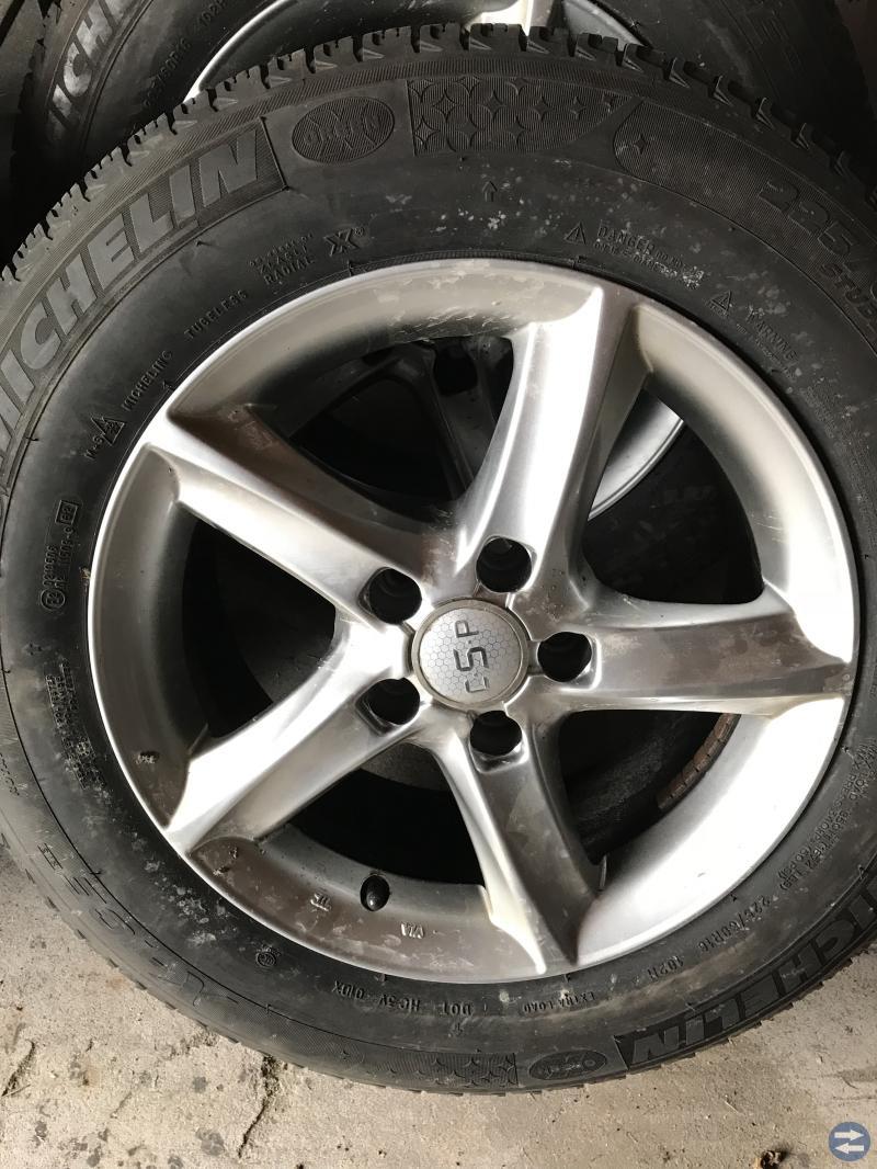 """16"""" alufälg suttit på en Audi A6 2013"""