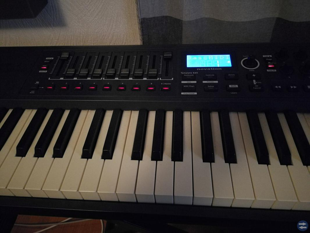 Novation Impulse 61 med stativ