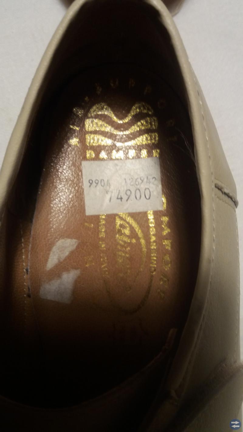 Nya  mjuka sköna skor storlek 39