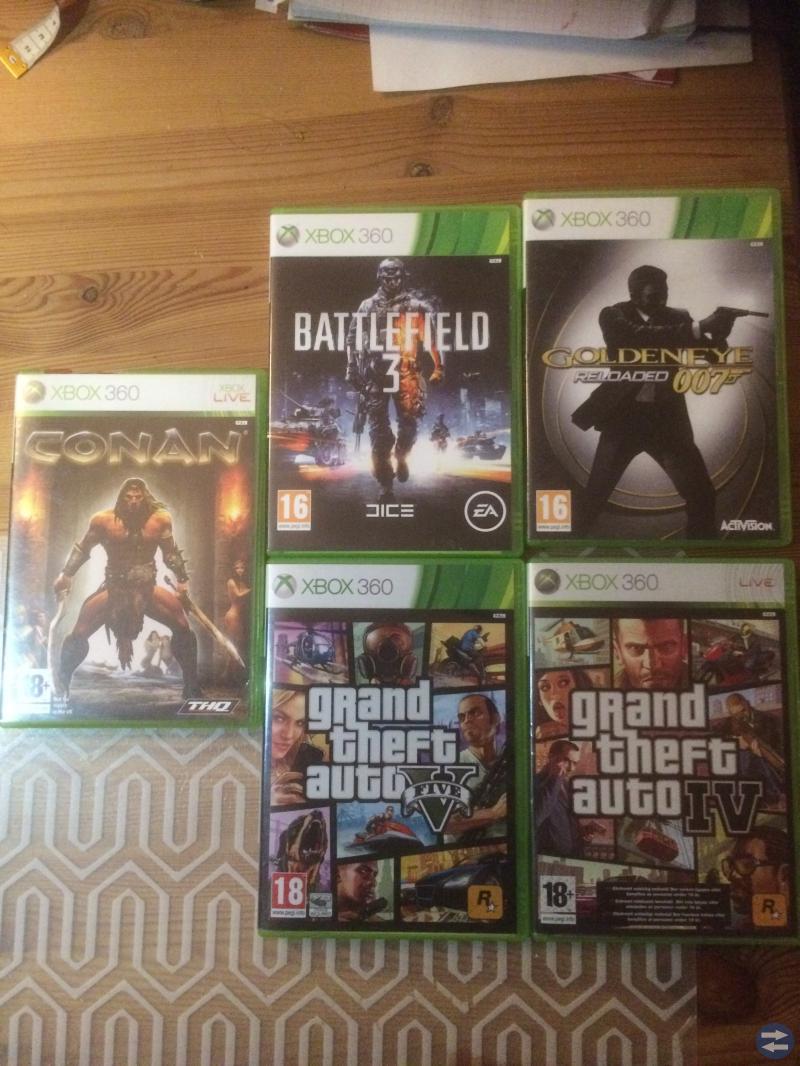 Xbox 360 spel och handkontroll