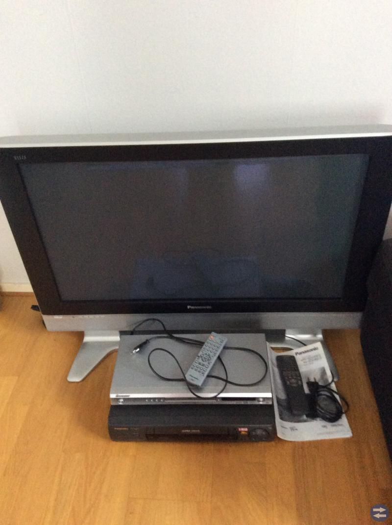 TV 36 tum Panasonic,  DVD Pioneer och Video
