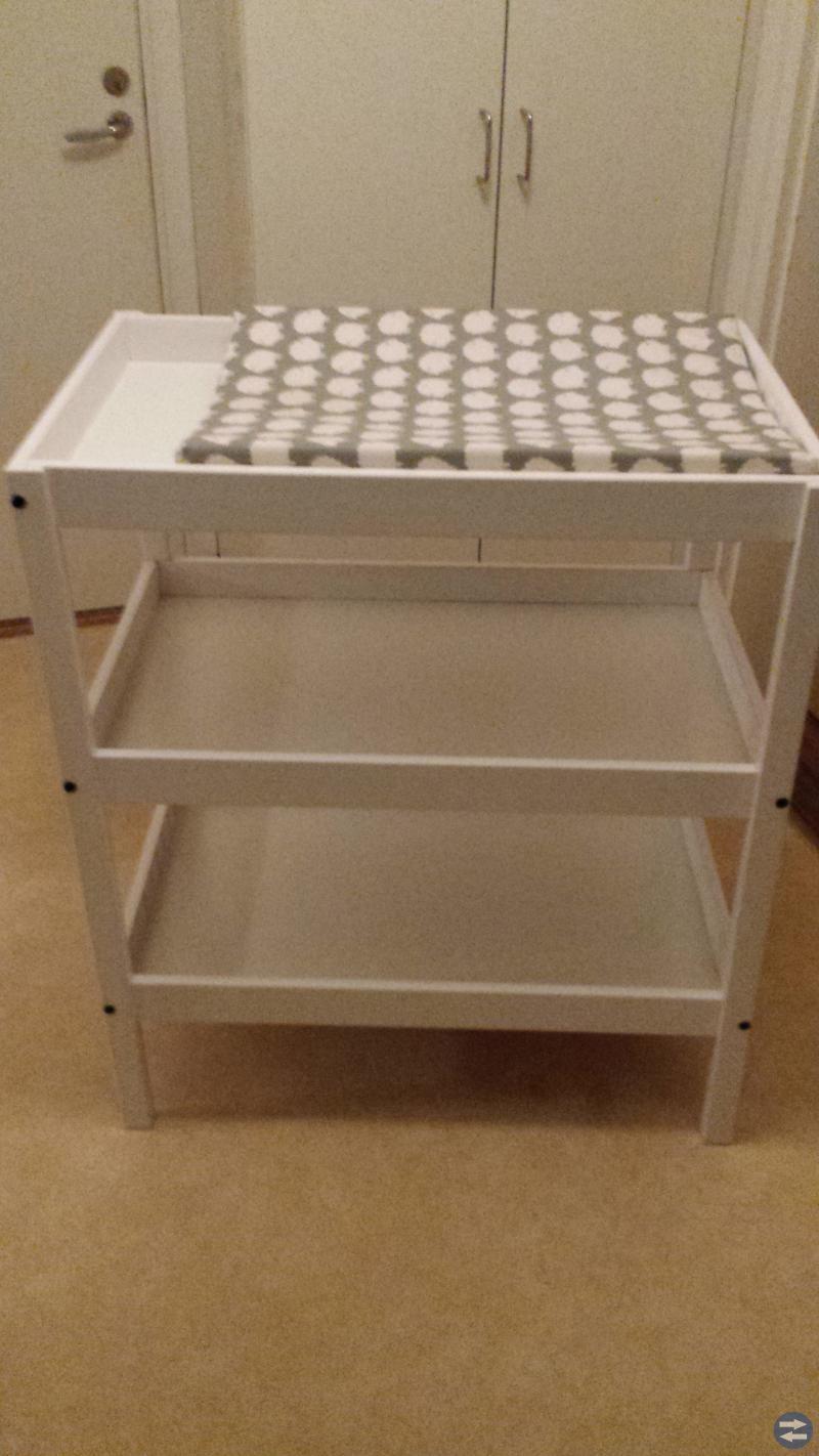 Sundvik, Skötbord + Bädd från IKEA
