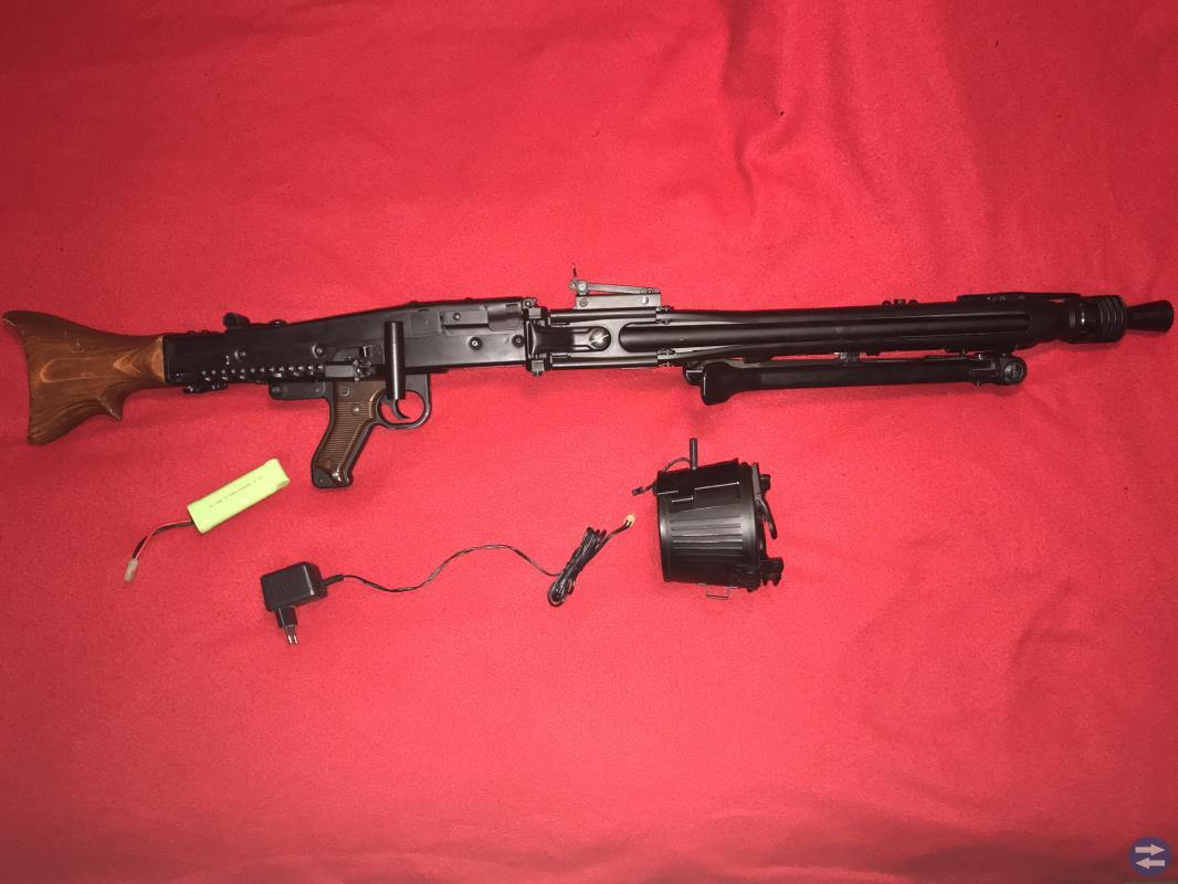 Säljer AGM MG42 FULL METAL