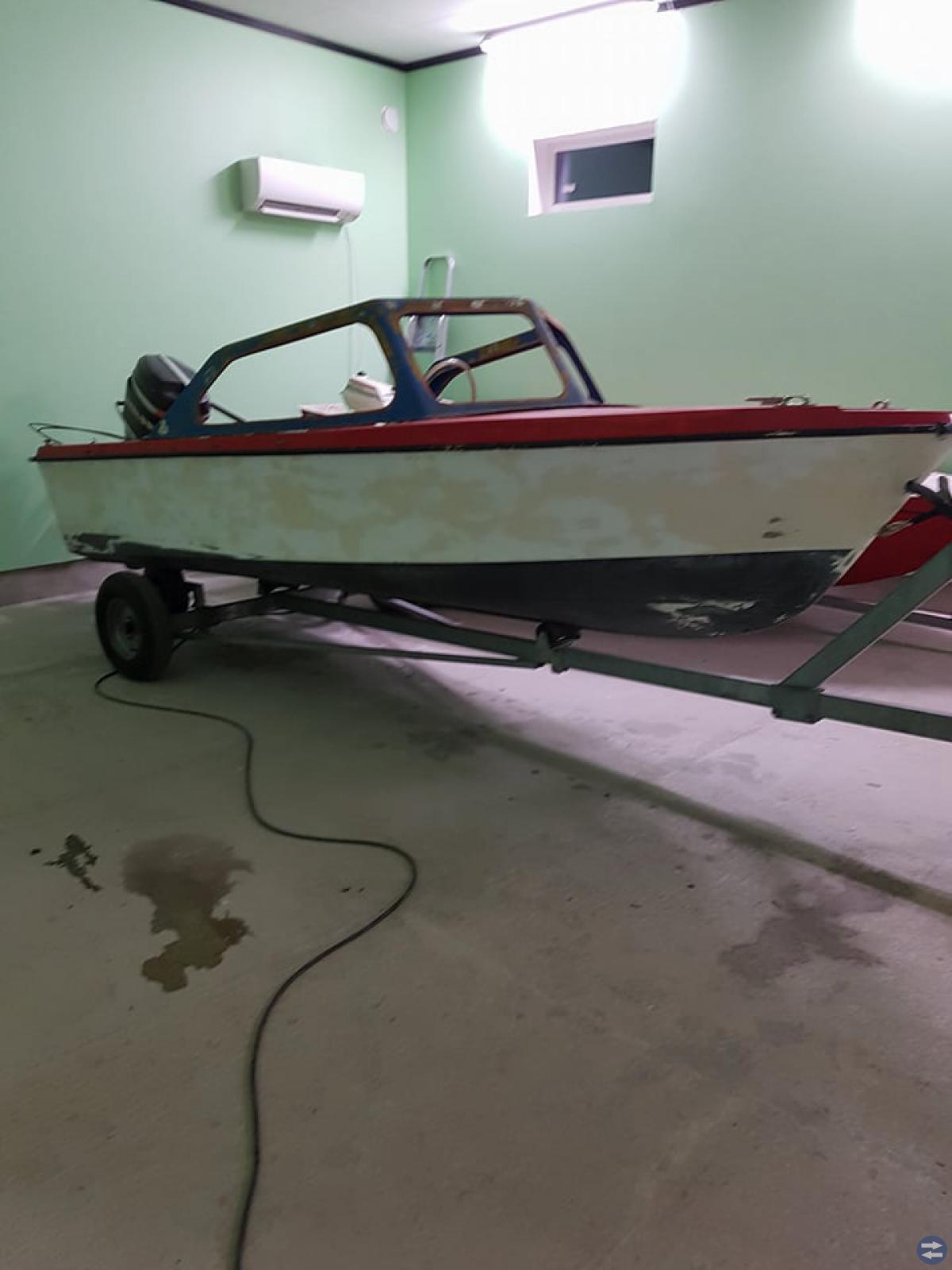 Motorbåt med 70hk mercury