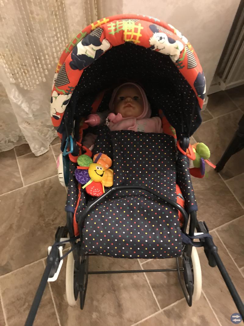 Leksaker barnvagnar dubbelsäng hellokitty spis mm
