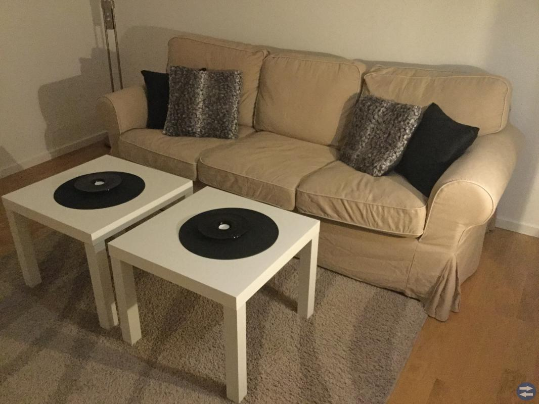 Ektorp 3-sits soffa + 2st bord