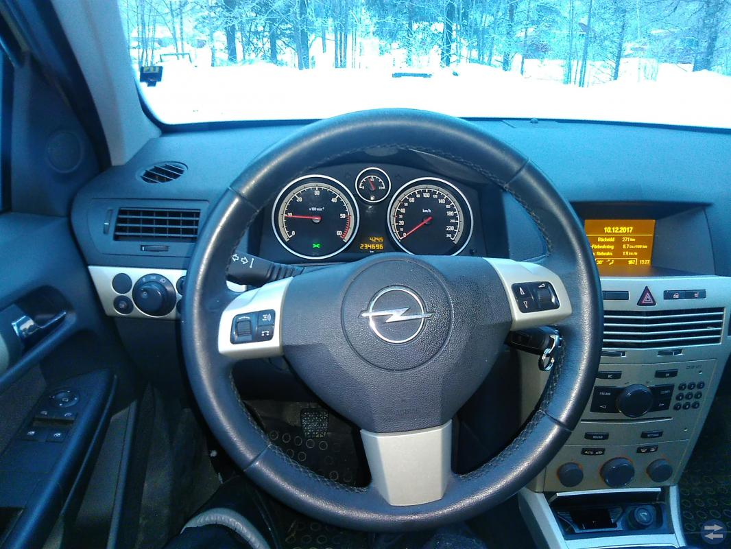Opel Astra 1.9 CDTI -08