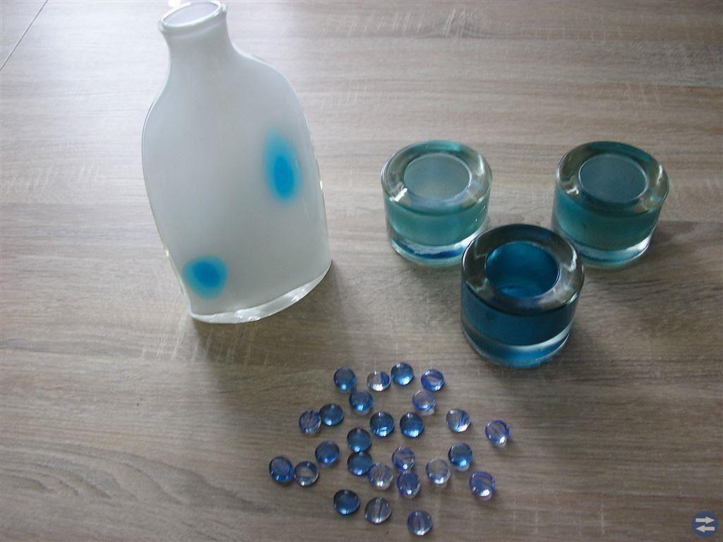 Vit / blå vas med tre värmeljushållare