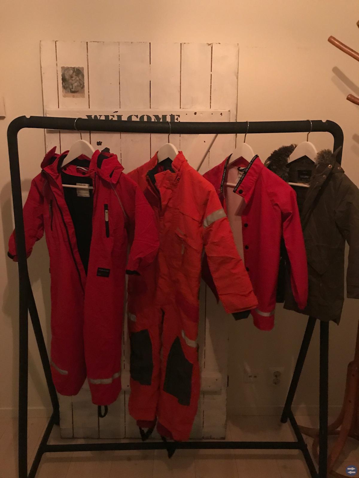 Jackor och overaller strlk 110-122