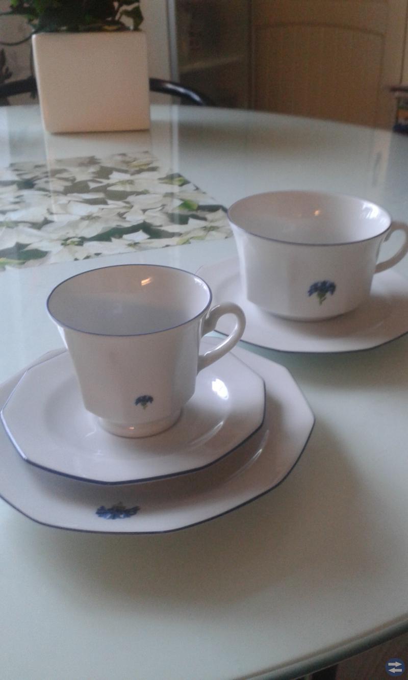 Te & kaffekoppar med assietter     12 st tekoppar