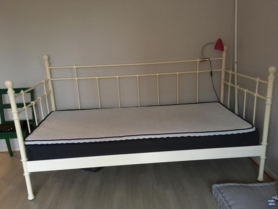Säng 90•200 cm