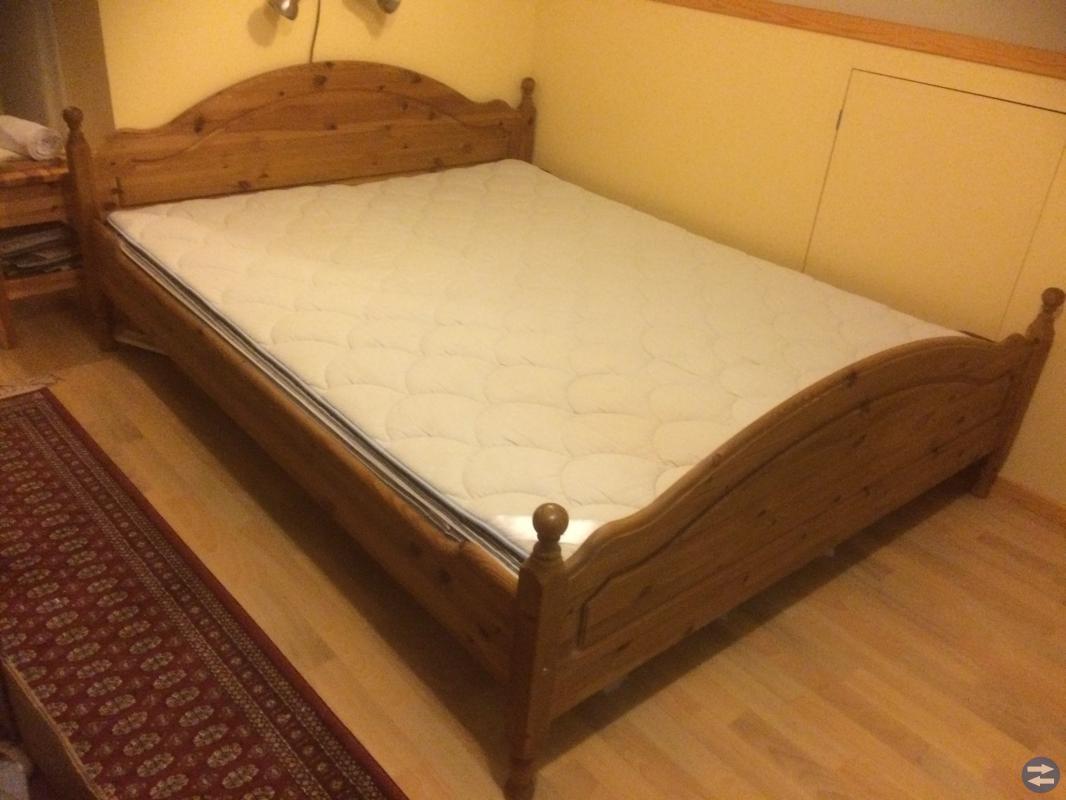 Dubbelsäng och Sängbord