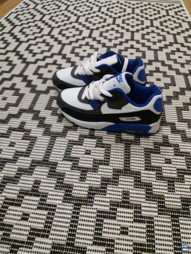 0d20cc74cc9 Nike Air Max skor st.34 - Markarydtorget.se - Annonsera gratis på ...