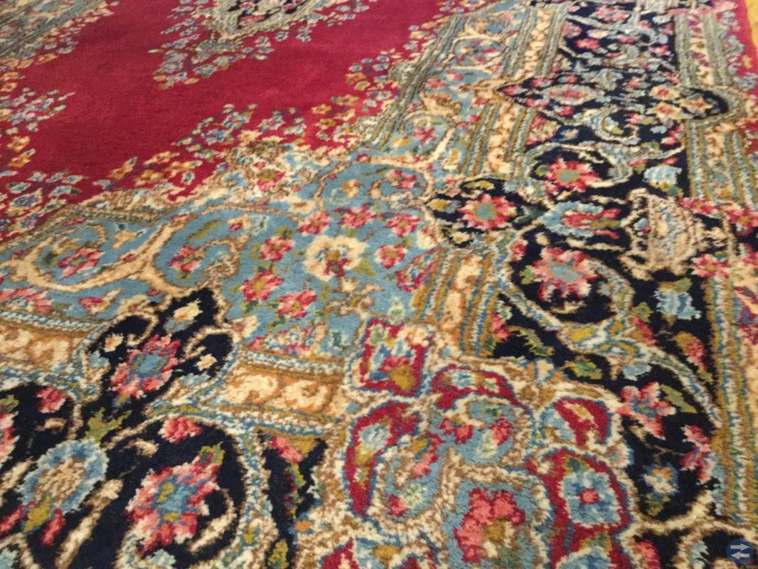 Handknuten matta