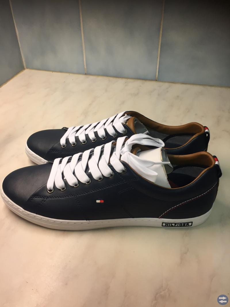 Leather Lace-Up Sneaker