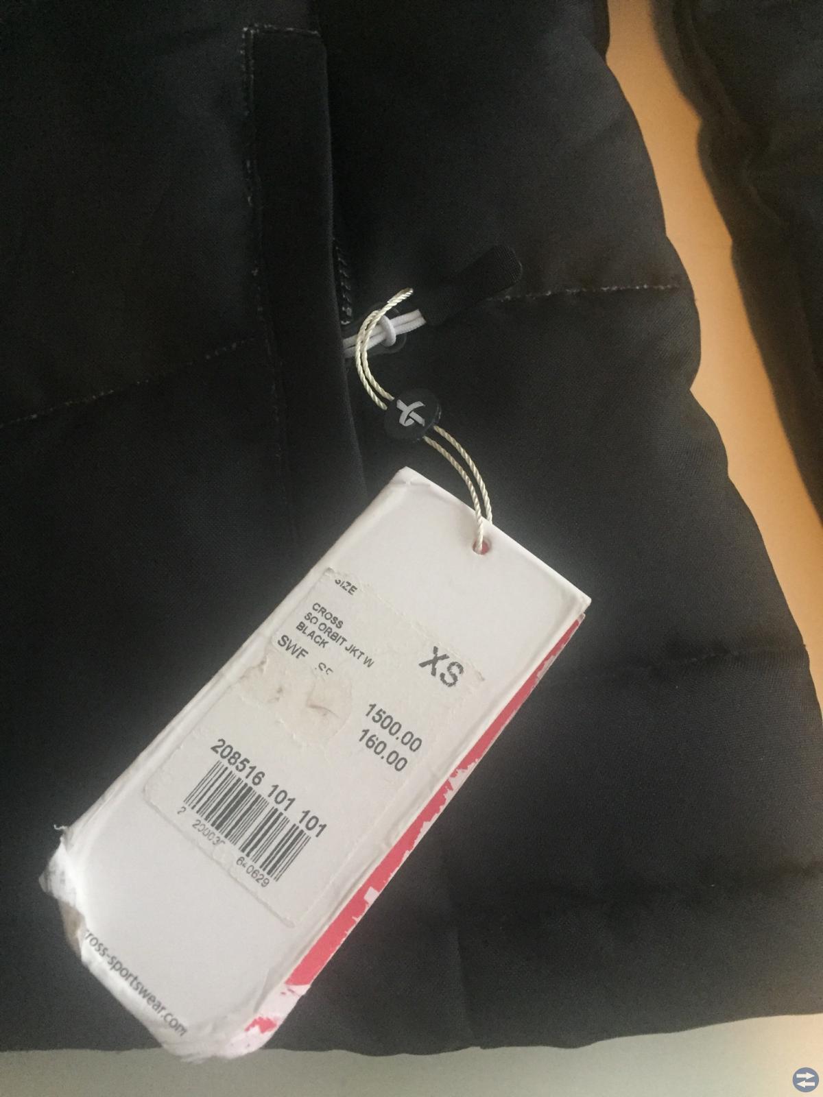Oanvänd jacka inköpt för 1600:-