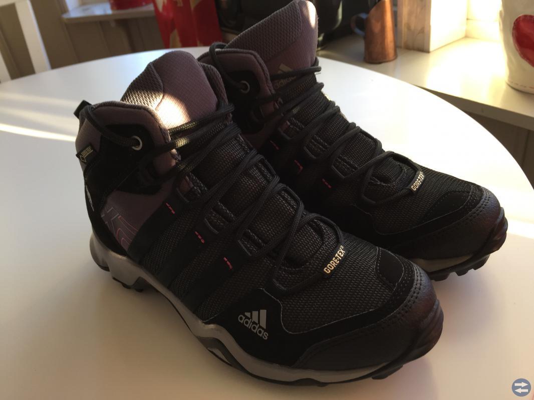 Adidas vinterkängor