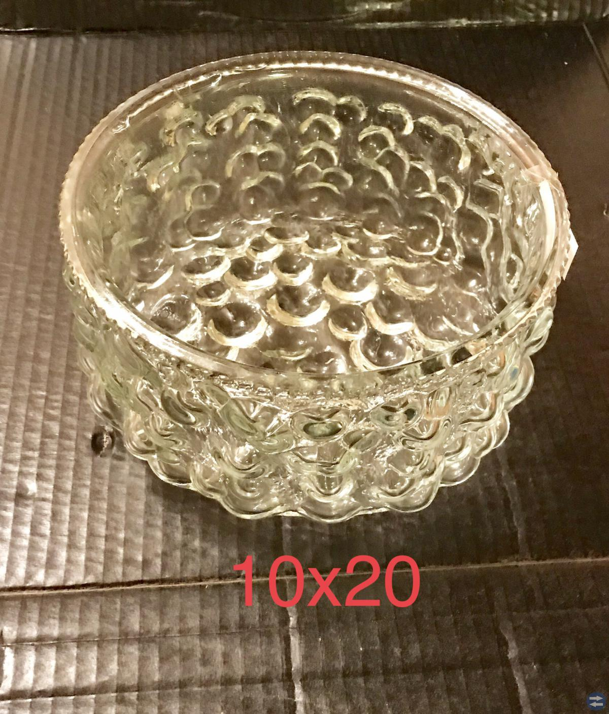 Glas fat djupt