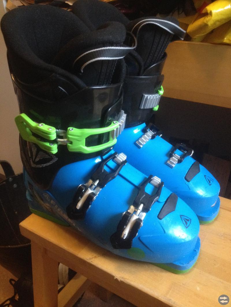Slalomskidor och slalompjäxor för barn 9 - 12 år