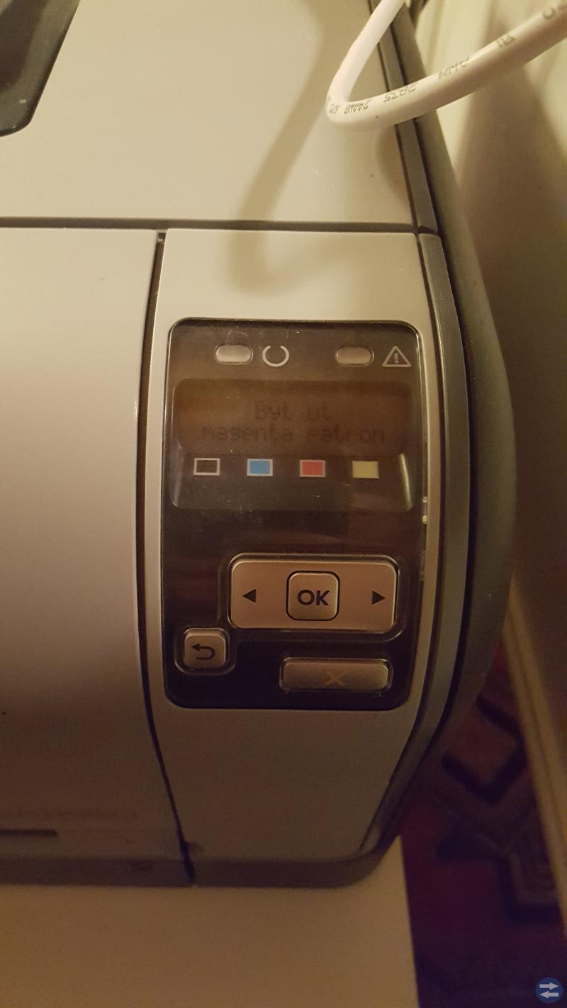 HP laserjet CP1515N