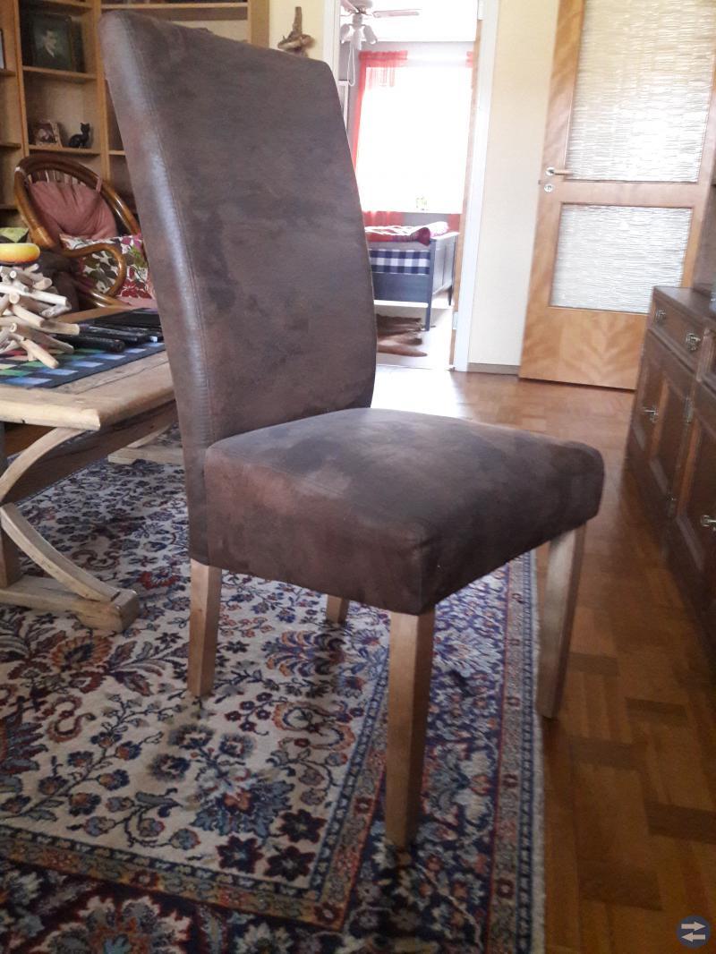 Matsals bord och 4 stolar