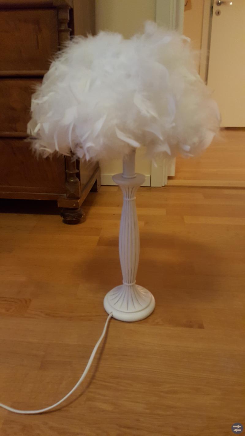 Bordslampa med fjäderskärm + 2 skärmar