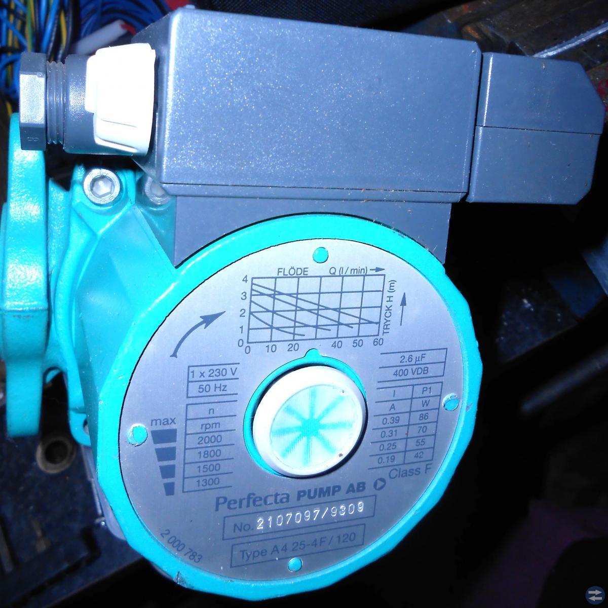 Cirkulition pump Koppar rör 15mm 12 mm Koplingar r