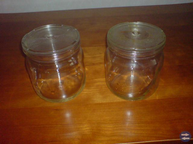 Mormors gamla konserveringsburkar  Ale Surte glas