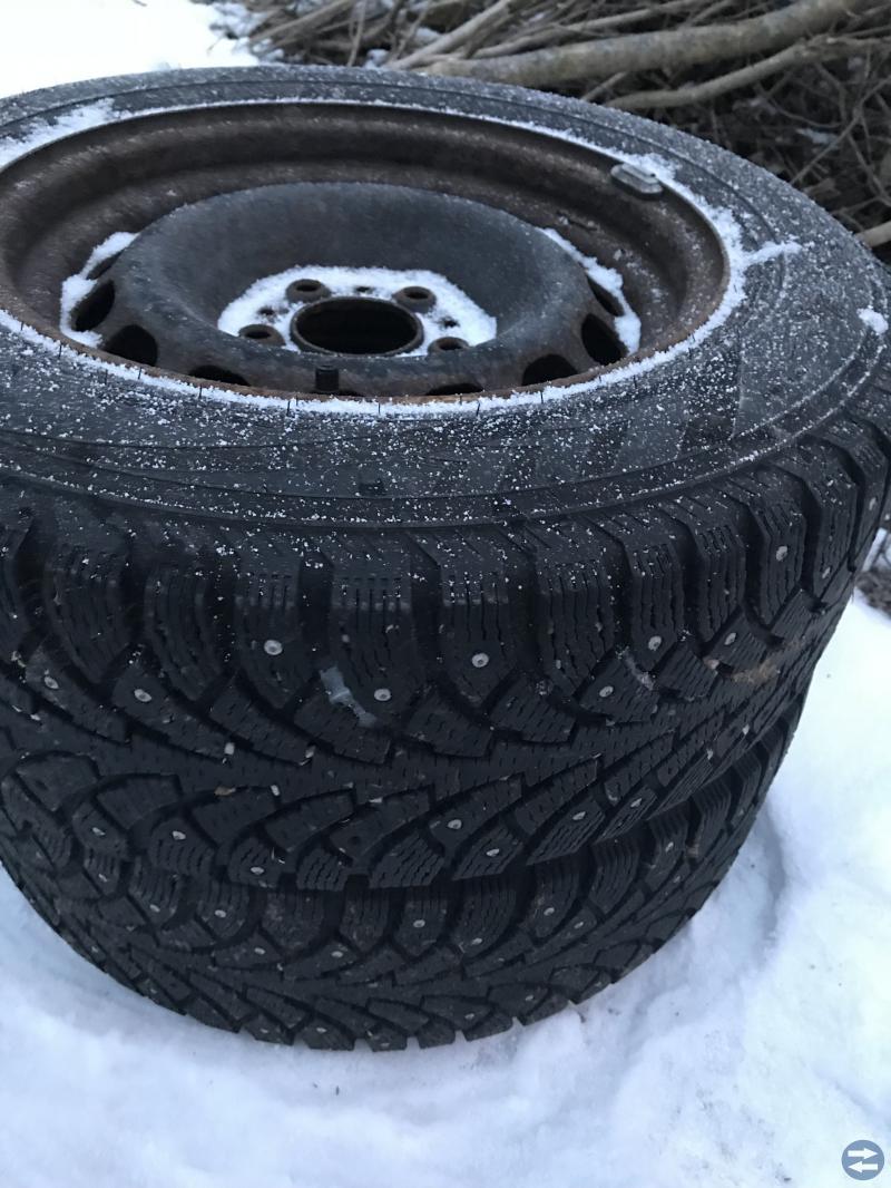 Fina vinterdäck på BMW fälg