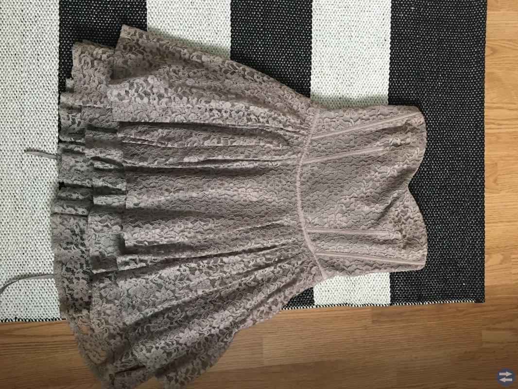 Fest klänningar