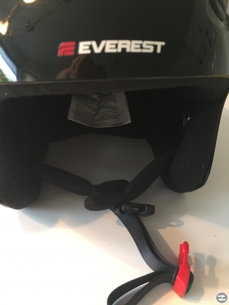 Svart skidhjälm Everest fint skick!