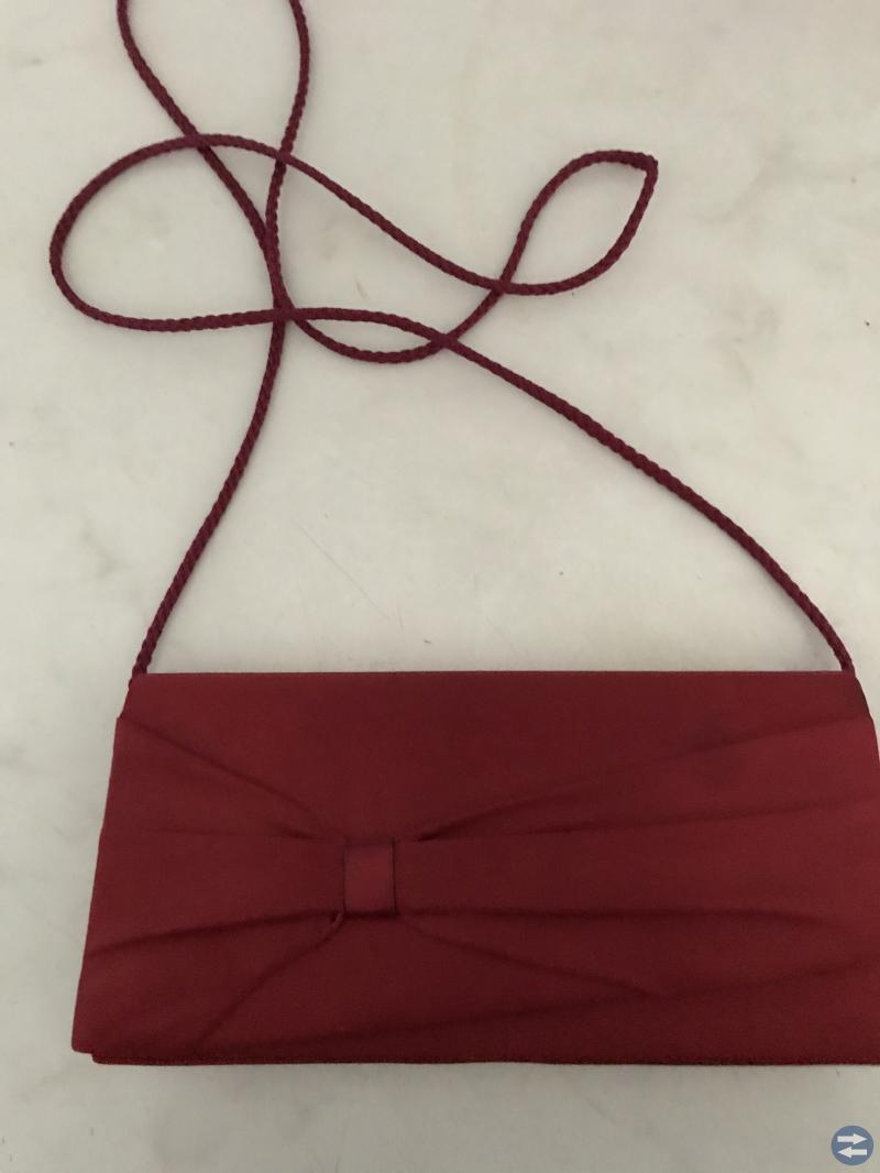 Balklänning med väska