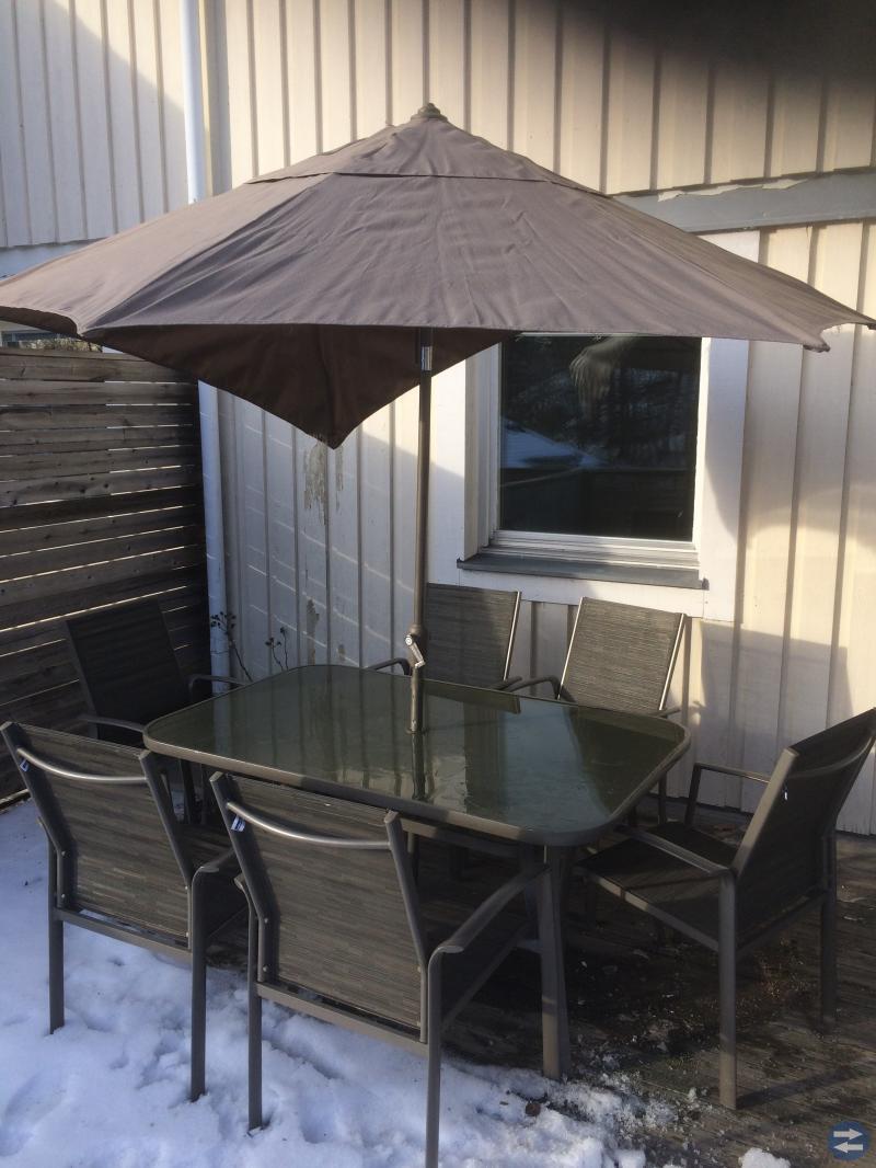 Utemöbler med parasoll