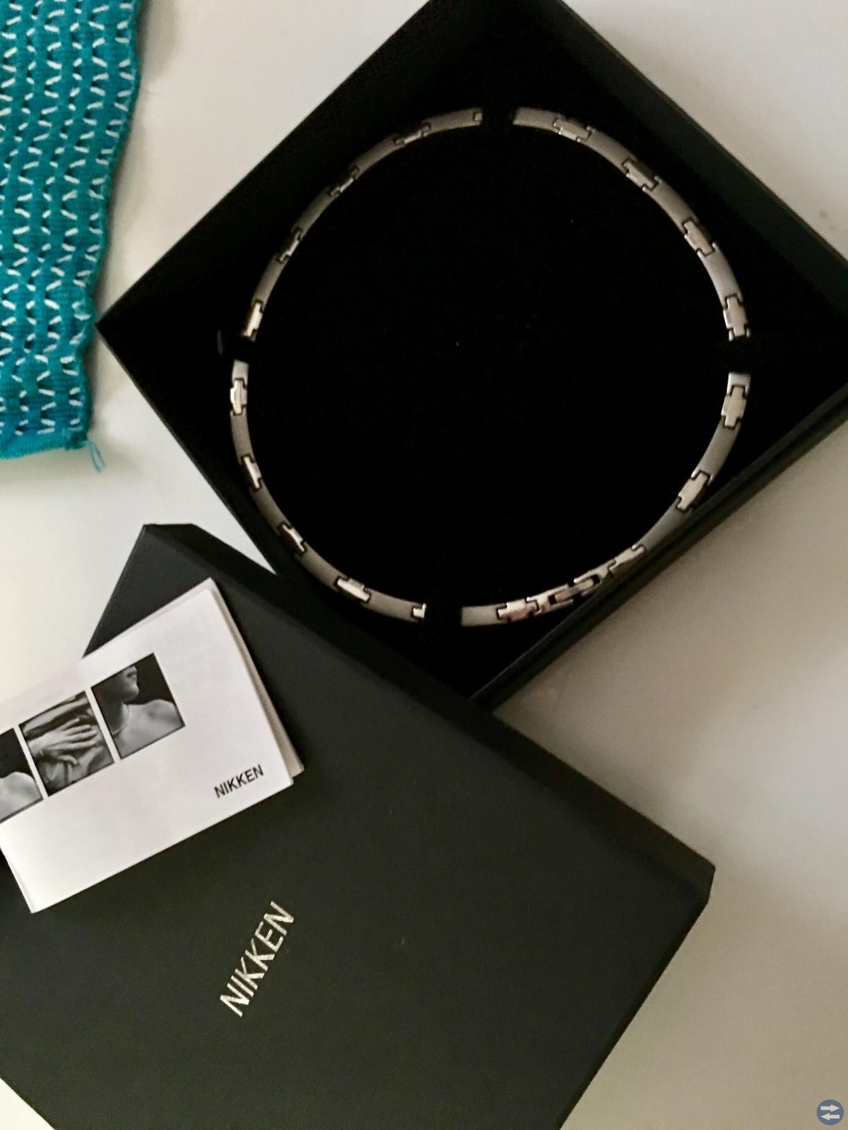 Nikken halsband(värk)Marc Jacobs.nordic light.sago